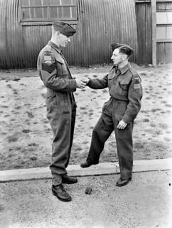 Sgt. D.R. Christianson and Sgt. W. Irvine complete training at British No. 1 Parachute Training School, Royal Air Force... / Les sergents D. R. Christianson et W. Irvine terminant leur entraînement à l'École de formation en parachutisme no 1 de la Ro