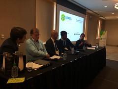 O secretário de Previdência Marcelo Caetano, ao centro, durante mesa de debate na Brazil Conference, organizada por alunos da Harvard e do MIT, em Boston, nos Estado Unidos, em 7.abr.2018