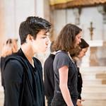 """Qua, 18/04/2018 - 10:02 - Estudantes do 1º ano do curso de Teatro da Escola Superior de Teatro e Cinema (ESTC), apresentaram no Panteão Nacional. """"Contos e Cantos"""", a partir da obra de Tonino Guerra, na inauguração da exposição de fotografia, Figuras em cena, patente até 21 de maio. A iniciativa, que ocorre no âmbito do dia Internacional dos Monumentos e Sítios, resulta da parceria da ESTC com a Direção-geral do Património e o Panteão Nacional.  18 de abril de 2018 Panteão Nacional"""