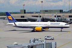 Icelandair Boeing 757-208(WL) TF-FII