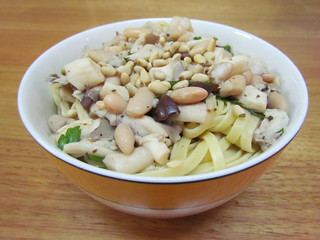 Linguine with White Clam-ish Sauce