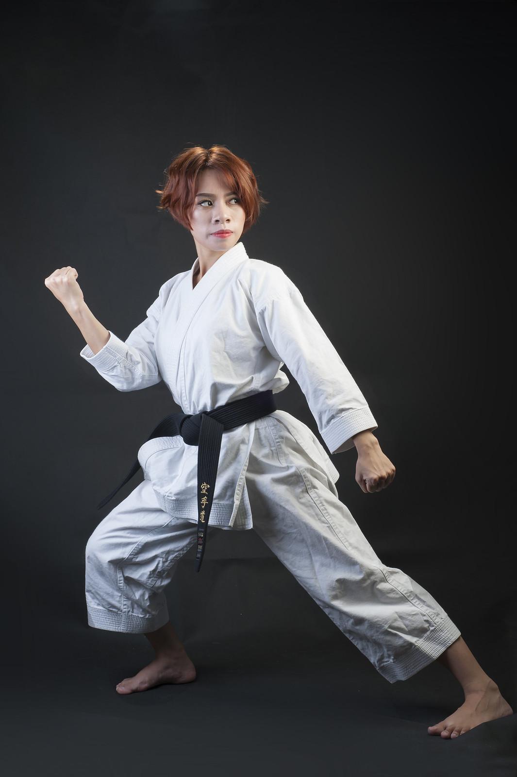 42980370611 ac11bc31ba h - Bộ ảnh võ thuật Karate Girl phiên bản Việt