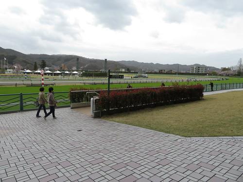 福島競馬場の内馬場連絡通路