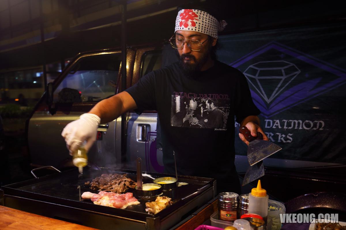 Black-Daimon-Teppanyaki-Steve-Aoki-Lookalike