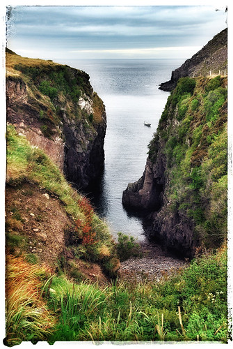 Single-lane detour on the Dingle Peninsula in Ireland, run through the photo app Snapseed