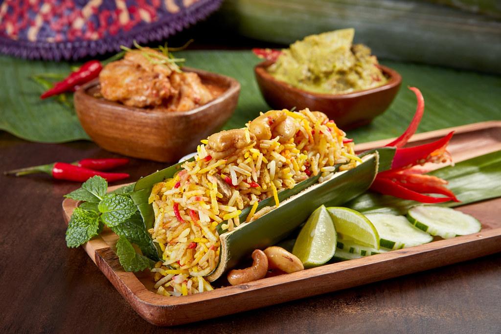 SRHS_TRC_Ramadan_Nasi-Briyani-Buloh-served-with-Gulai