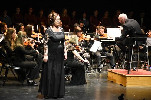 Concierto Música hecha escena de la Coral Regina Coeli en el teatro municipal