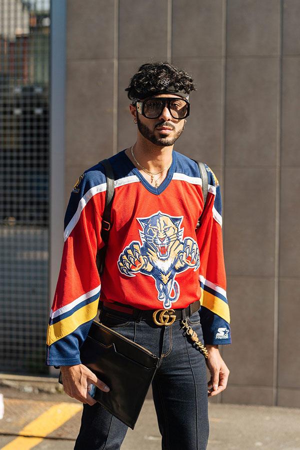 ホッケーシャツ×センタープレスデニムパンツ