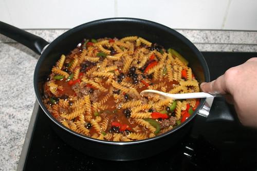 31 - Nudeln verrühren / Stir in pasta