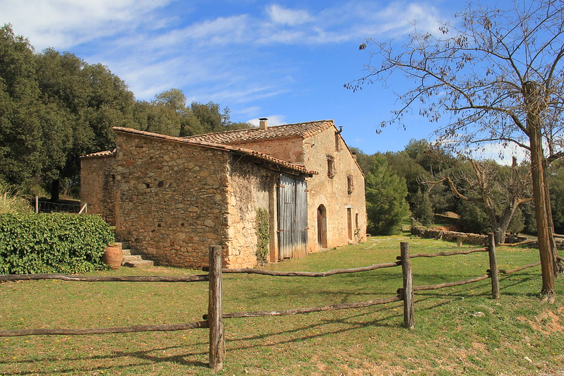 Farmhouse, the road to Esponella