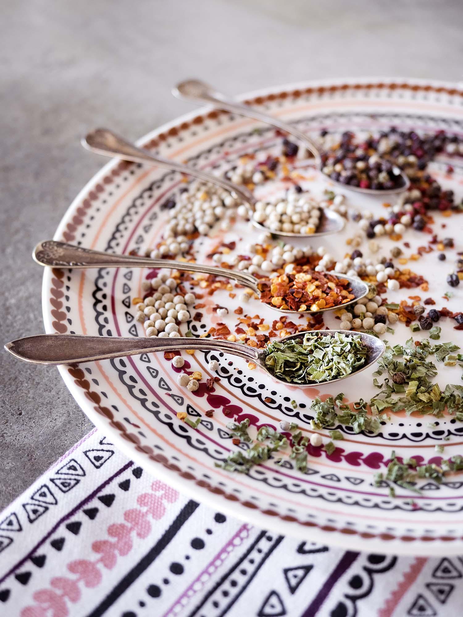 Vallila_AW18_Kerttu_plate_kitchentowel_photographerHennaSoronen_2