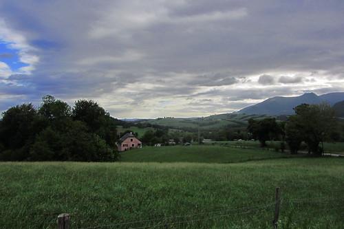 20120924 26 072 Jakobus Pyrenäen Wolken Bäume Wiese