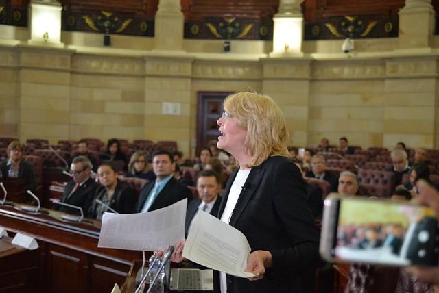 Em julgamento considerado nulo, oposição move ação contra presidente venezuelano