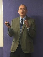 Dr Mauricio Castillo