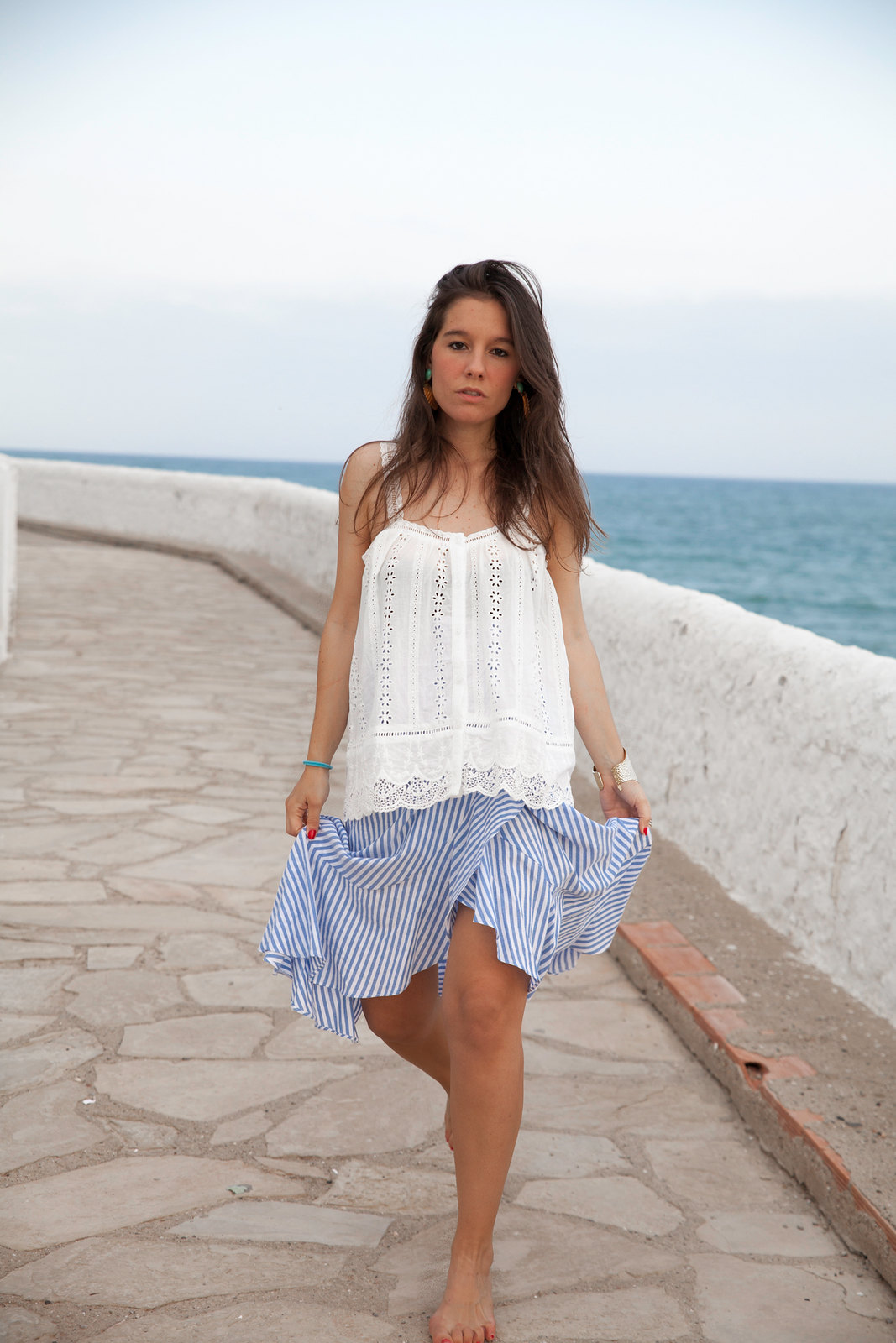 El look perfecto de verano para una Mediterranean Girl theguestgirl laura santolaria influencer barcelona