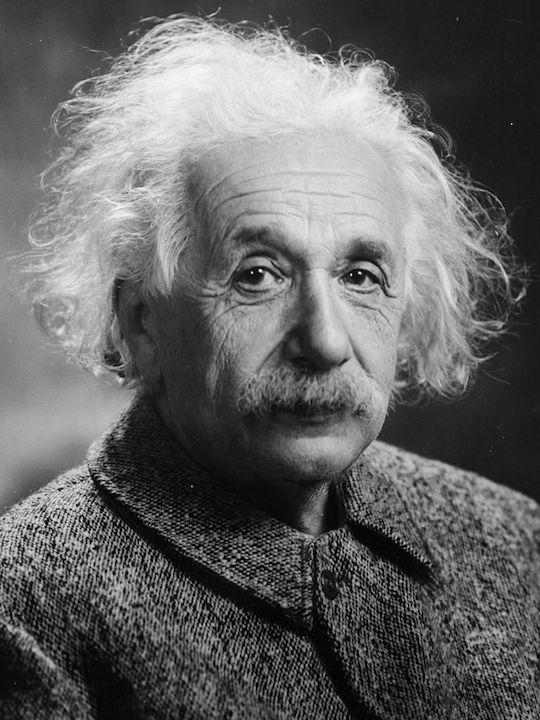 愛因斯坦時時告誡世人僅僅依靠知識和技能,還不能使人類過上幸福和受人尊敬的生活。(Wikipedia Commons)