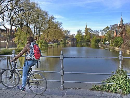 Día de la bicicleta. Una foto de hace un año en Brujas. #diadelabicicleta #bikeday #brugge #bruges #bike #olympus #belgium