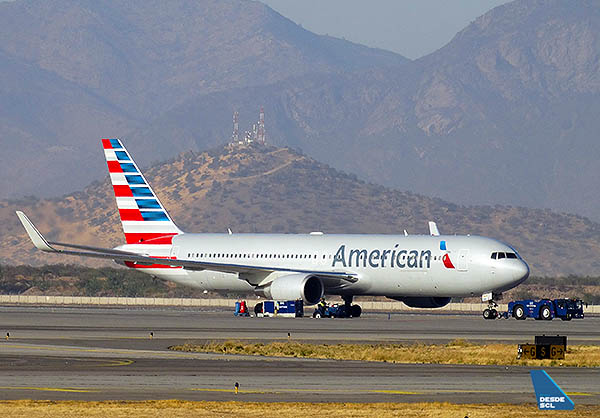 American Airlines B767-300ER SCL (RD)