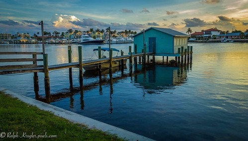 capsplace florida historical lake placid water hone architecture dock sunset colorful sky clouds paradise