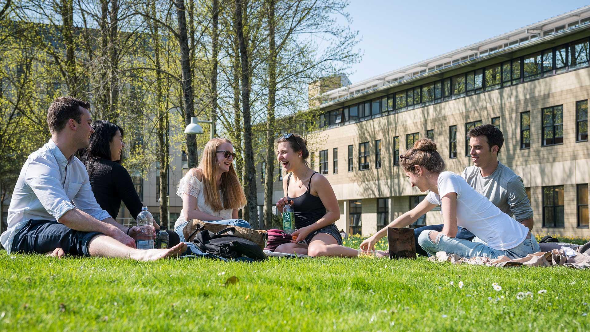 Students enjoy the sunshine on campus