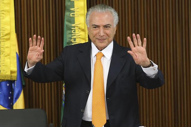 Cortes de 94,9% em programas sociais feitos por Temer abreviam futuro dos brasileiros