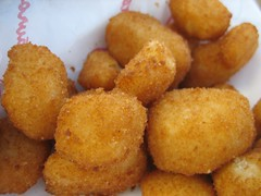 deep frying, croquette, fried food, buã±uelo, vegetarian food, arancini, rissole, korokke, mcdonald's chicken mcnuggets, food, dish, chicken nugget, cuisine, fast food,