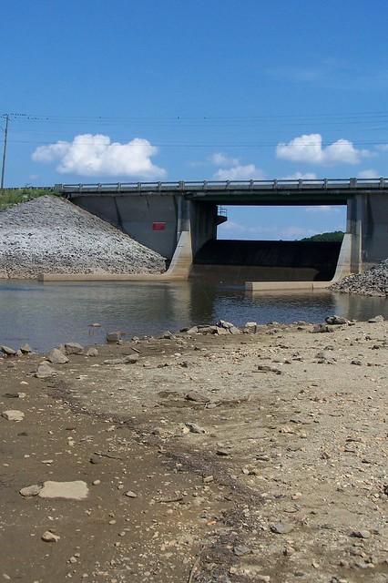 Spillway acworth to alatoona 0121 flickr photo sharing for Lake acworth fishing
