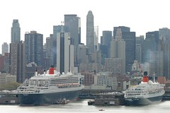 Queen Mary 2 and Queen Elizabeth 2 together in NYC