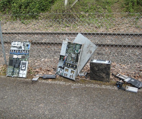 Dead Dell servers dumped on the Springwater Trail