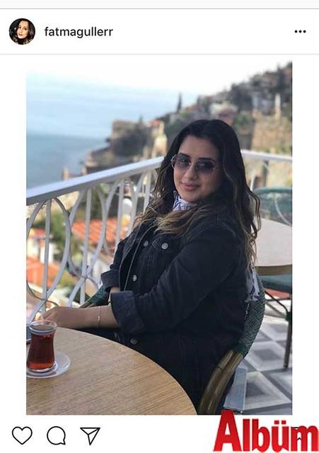 Fatma Güler, Zeytin Dalı Kafe'de Tophane manzarasına karşı günün yorgunluğunu attı.