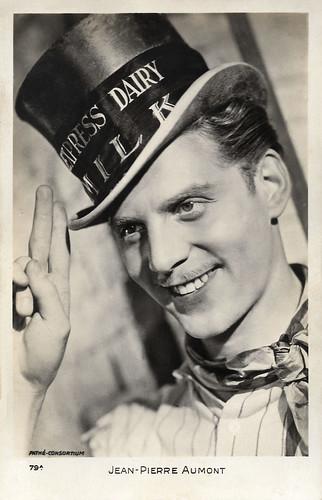 Jean-Pierre Aumont in Drôle de drame (1937)