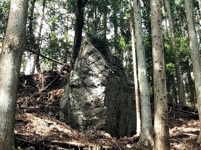 入道ヶ岳 井戸谷 磐座「石神」