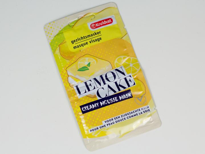 Creamy Mousse Lemon Cake masker