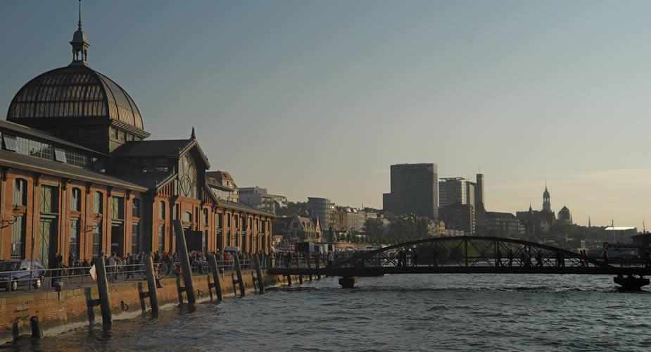 Zomer in Hamburg: vismarkt St. Pauli op zondagochtend | Mooistestedentrips.nl