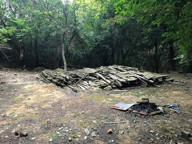 仙ヶ岳 白谷道 旧営林署小屋跡
