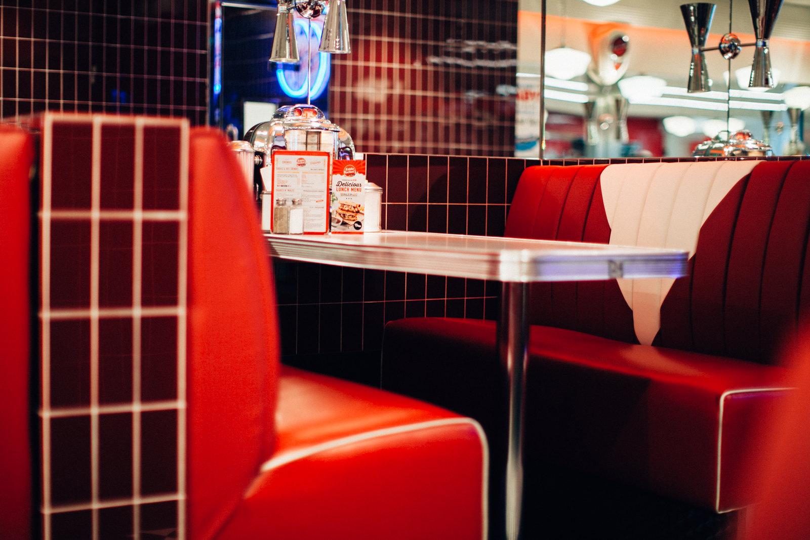 alices pig diner-6