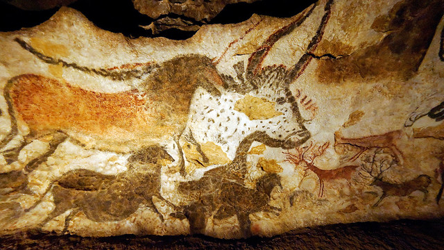 Lascaux Cave Paintings 03