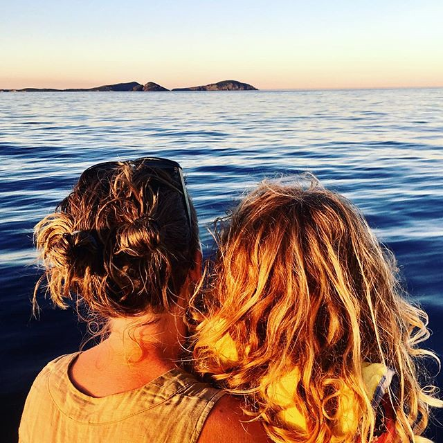 083/365 • someone had my phone... DB and I, looking for 🐬• . #notalotofwind #7yo #love #curlywhirly #abcmyphoto #bellalunaboat #cruising #nswcoast #Autumn2018 #eastcoastaustralia #liveaboard #australia