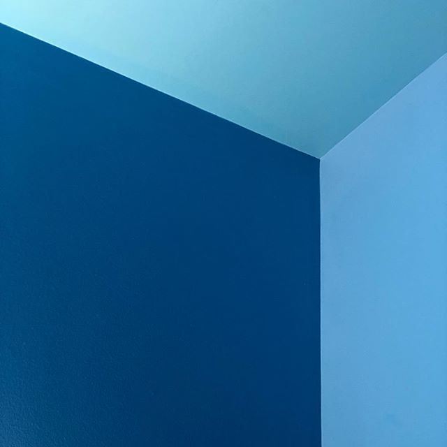 Blue •••• Seen in the Boston ICA. #bostonica #ica #blue #corner #nofilter #nofilterneeded #abstract
