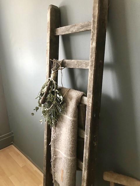 Decoratieladder, linnen doek, groene toef