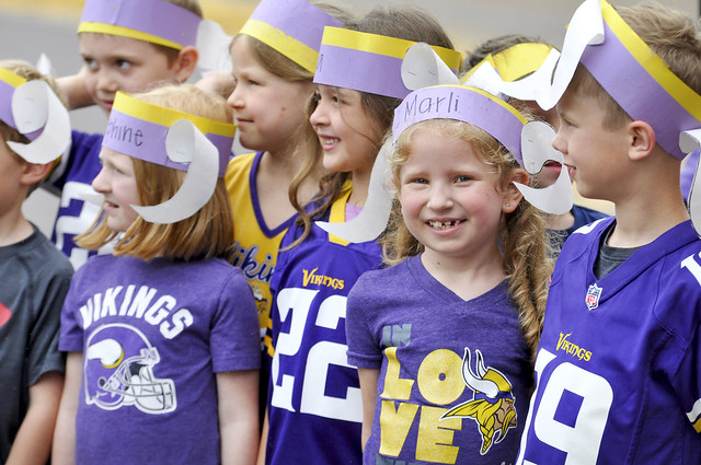 MN Vikings visit Pinewood students