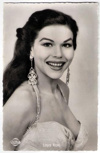 Laya Raki in Roter Mohn (1956)
