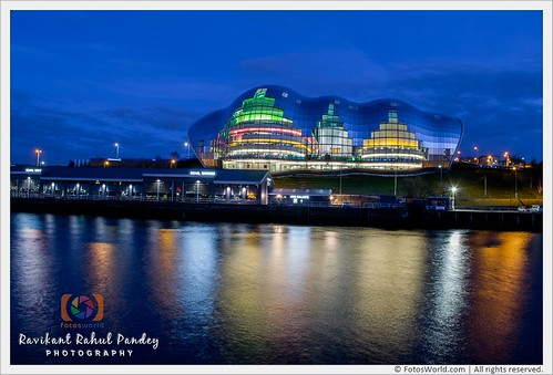 Sage-Gateshead-on-the-South-Bank-of-the-River-Tyne-in-the-North-East-of-England-180325-201149