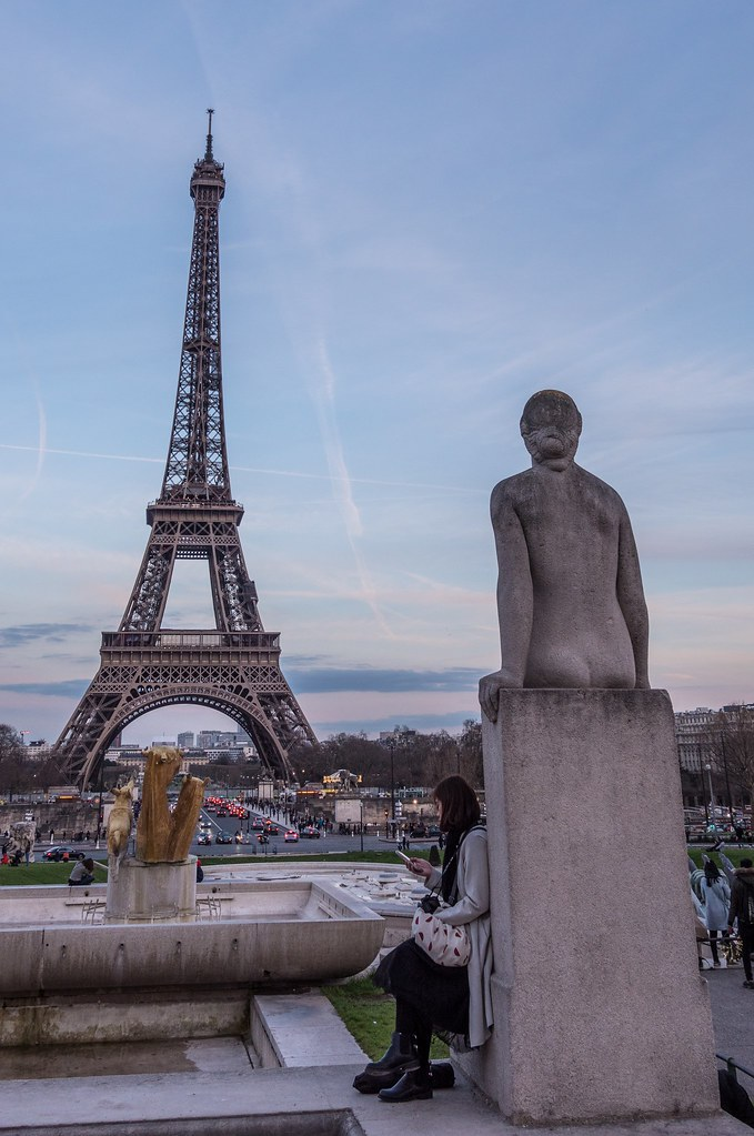 La dame de fer et la dame de pierre... + ajouts et couleur pour la 2 39535870280_5ae0a43270_b