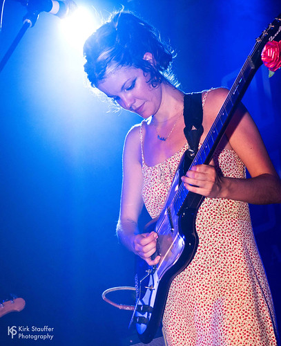 Hinds @ Crocodile Café