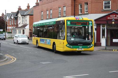Yellow Buses 7 R7TYB