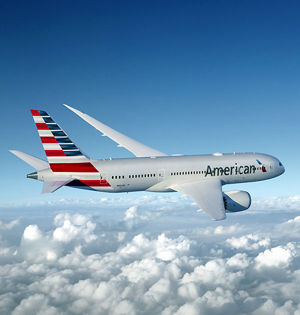 American Airlines B787-8 flying (American Airines)