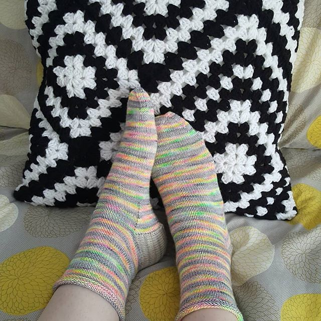 Finished my stripey socks today too! I love these stripes! the amazing yarn came from @thewoolbaron #craftastherapy #stripeysockskal2018 #sockknittersofinstagram #socktawk