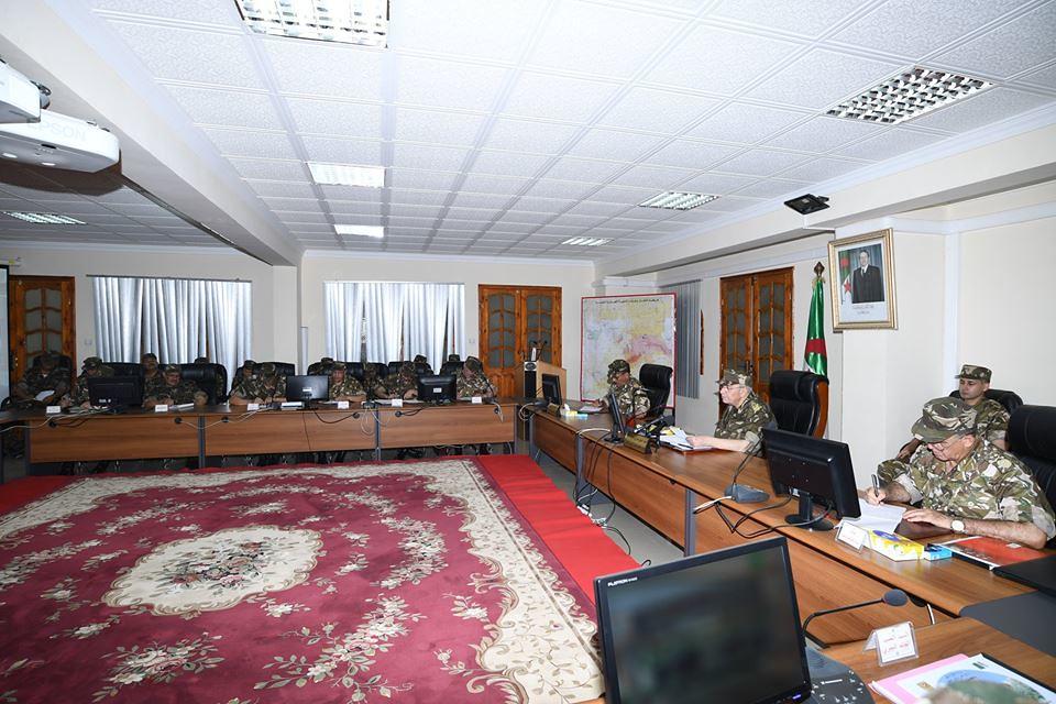 الجزائر : صلاحيات نائب وزير الدفاع الوطني - صفحة 21 27546219327_09c046c3d1_b