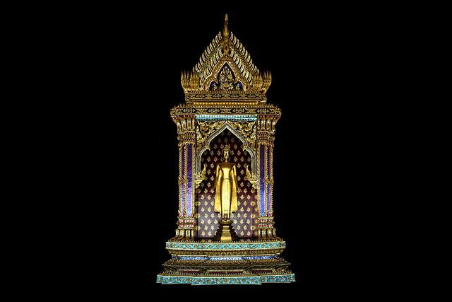 Thailand - Bangkok - Wat Pho - Standing Buddha - 55d